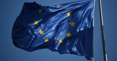 Unión Europea da a conocer a países incluidos en su lista de paraísos fiscales