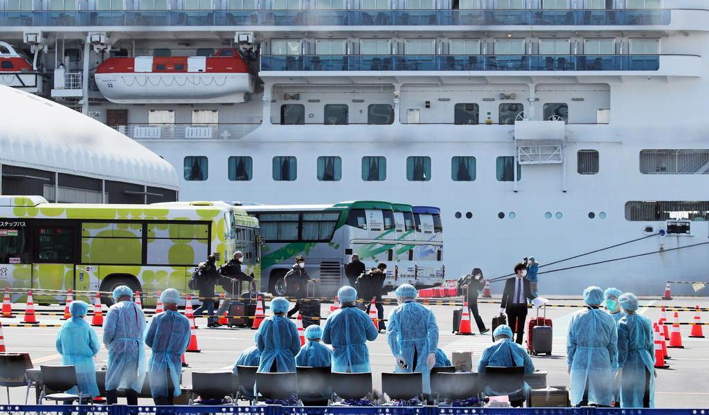 Pasajeros estadounidenses de crucero se infectan con coronavirus