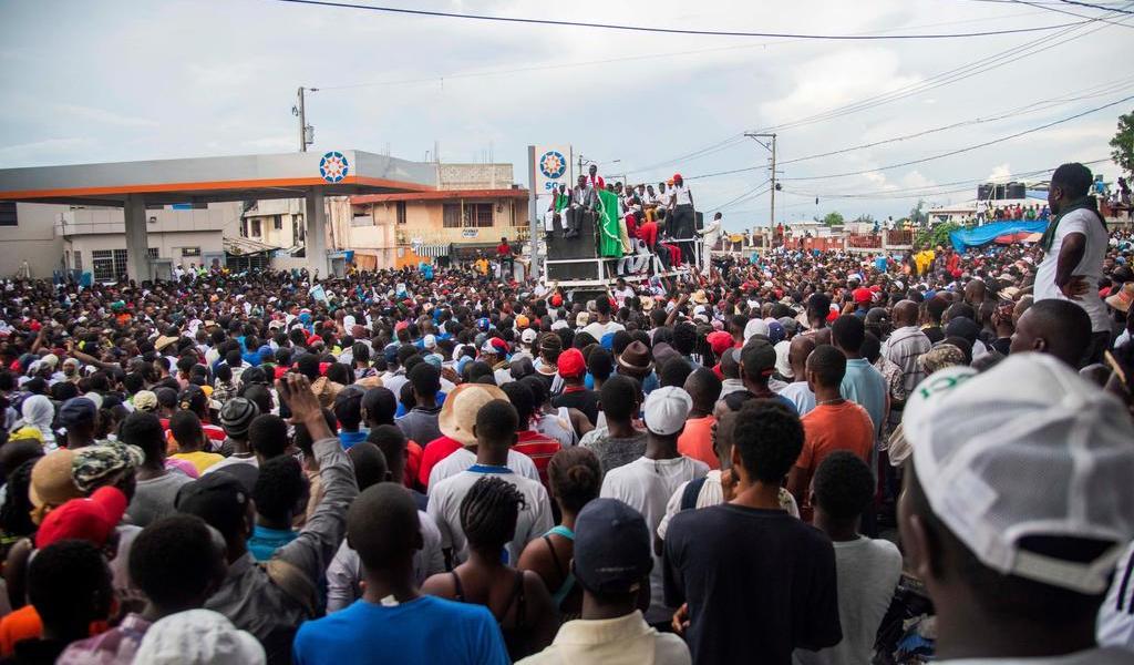 Protestan el día después de tiroteo entre militares y policías en Haití