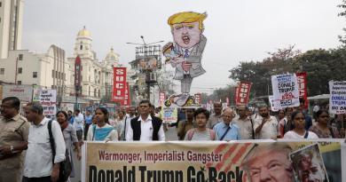 Suman 10 los muertos en protestas durante visita de Trump a la India