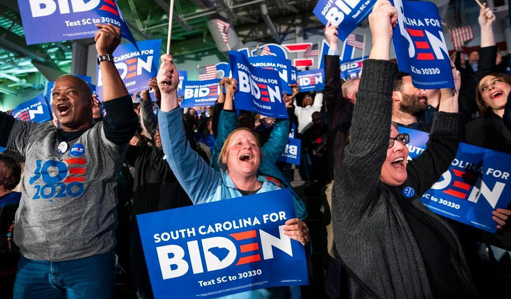 Biden gana las primarias demócratas de Carolina del Sur, según proyecciones