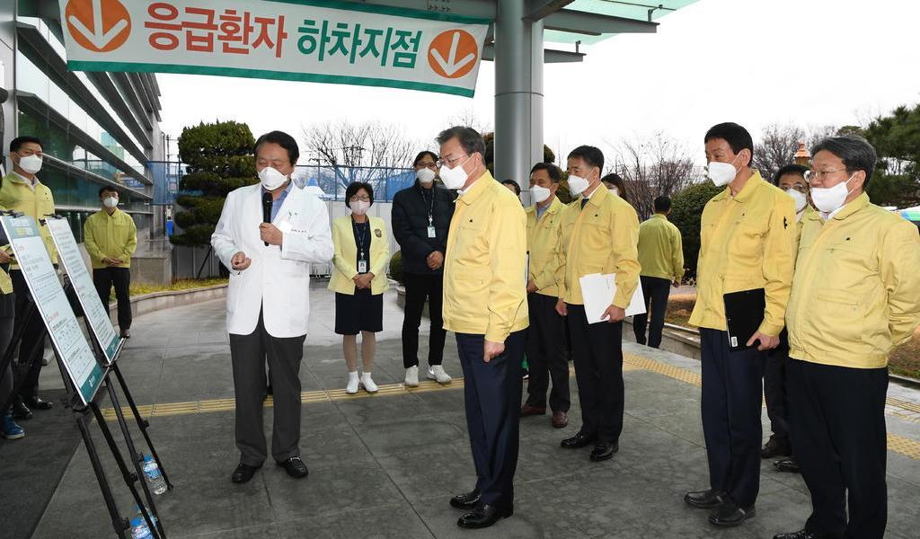 Corea del Norte mantiene en observación a 7,000 personas por el coronavirus