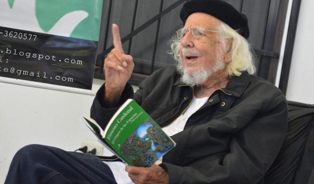 Ernesto Cardenal, el poeta que construyó la revolución en Nicaragua