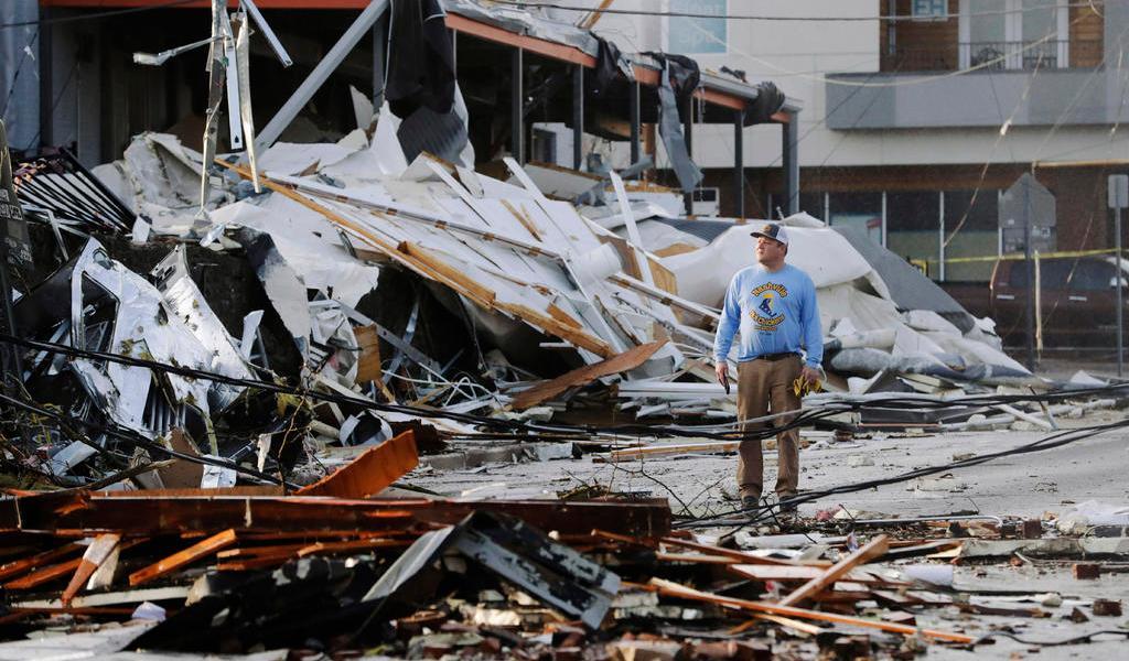 Suman 19 los muertos por tornados en EUA