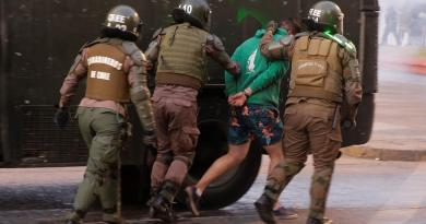 Detienen a más de 280 personas durante protestas en Chile