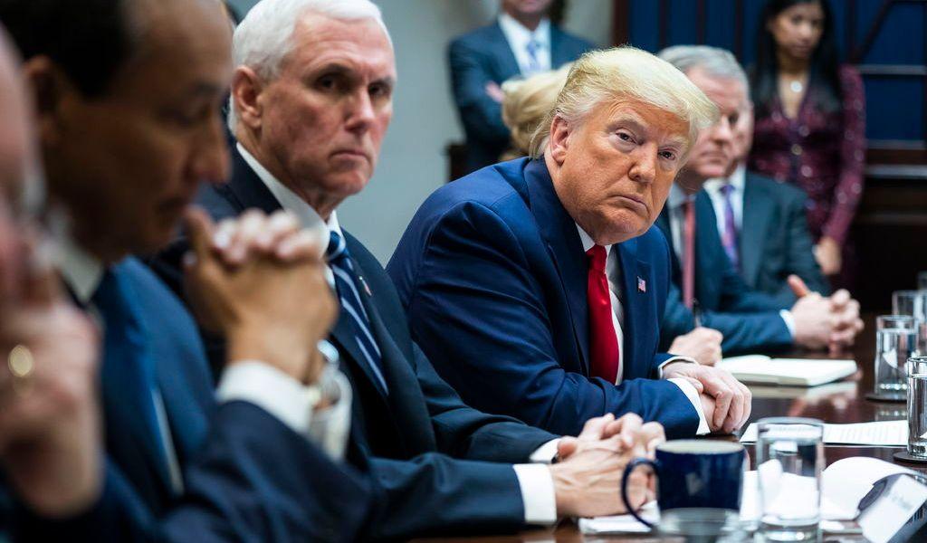 Hispanos son los que quieren el muro: Trump
