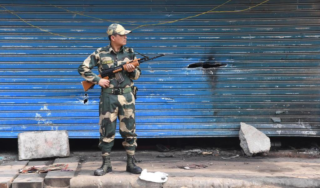 Sube a 53 la cifra de muertos por protestas en la India