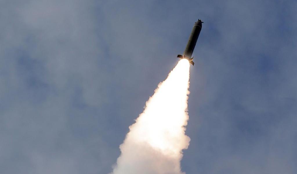 Corea de Norte lanza tres proyectiles en una nueva prueba balística