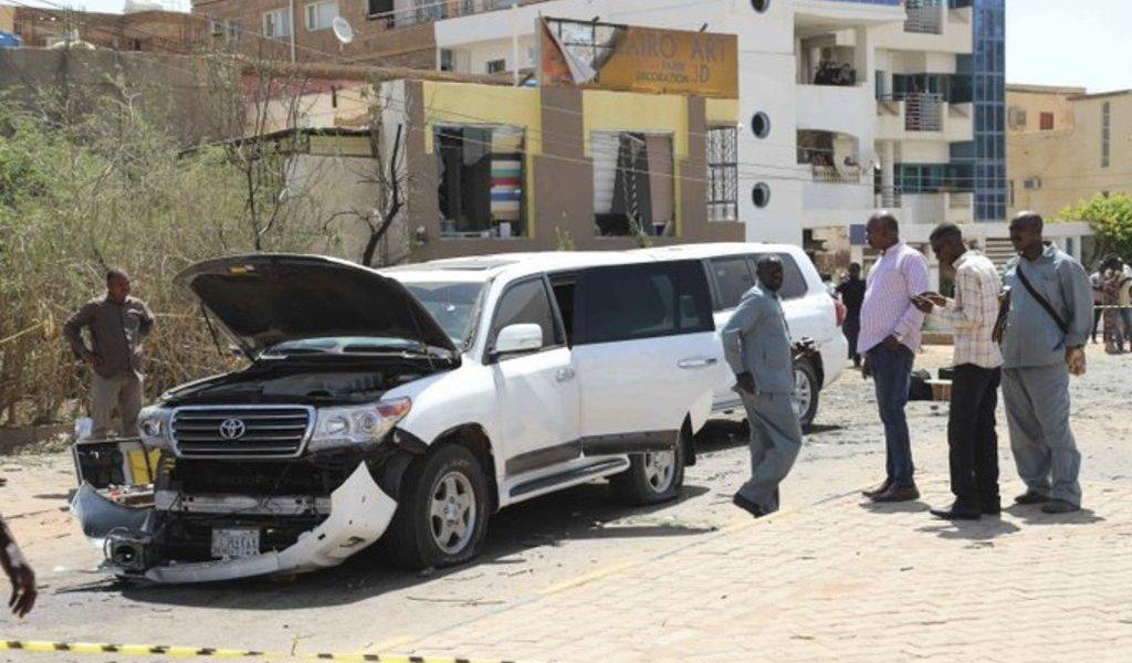 Intentan matar a primer ministro de Sudán