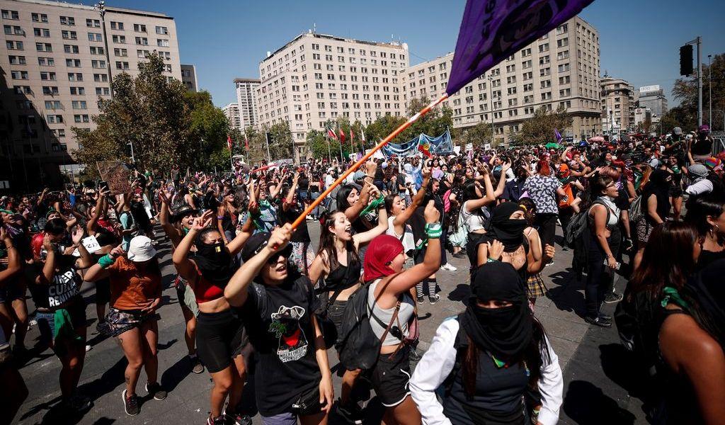 Extienden el Día de la Mujer con huelga