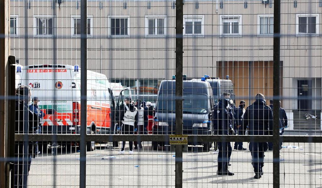 Motines a causa del coronavirus dejan 11 presos muertos en Italia