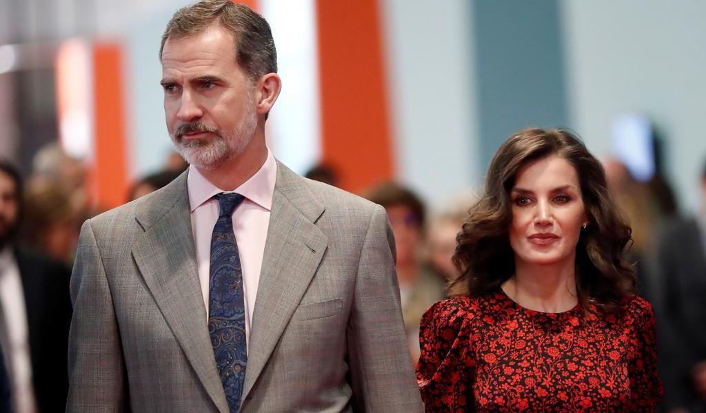 Reyes de España se someten al test del coronavirus