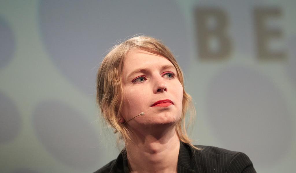 Hospitalizan a Chelsea Manning tras intento de suicidio en EUA