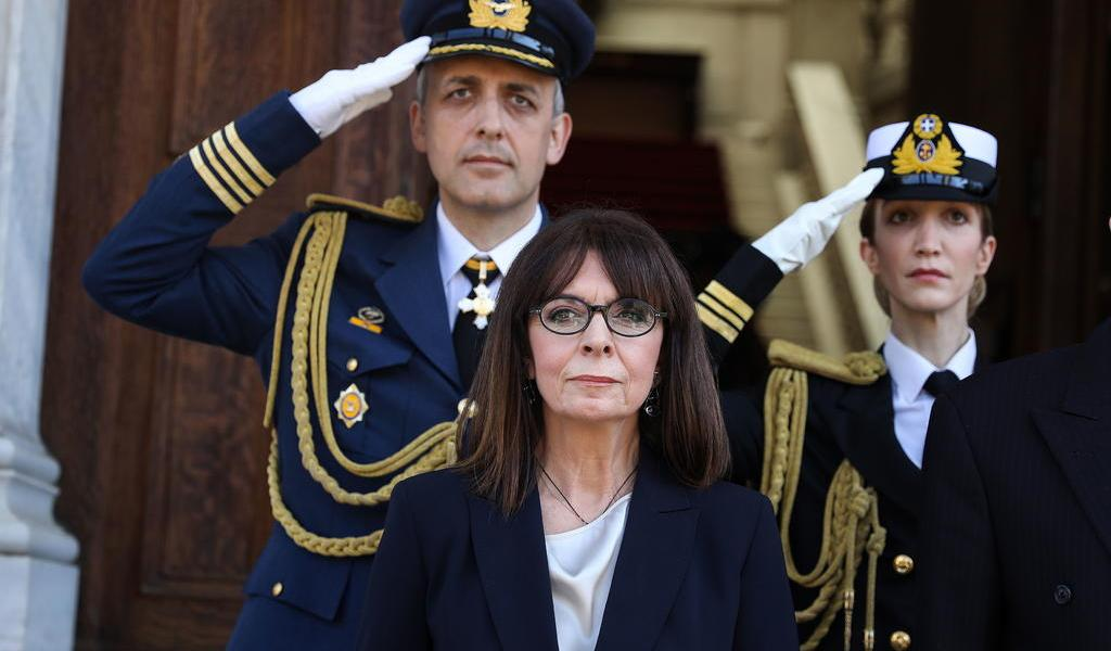 Katerina Sakellaropoulou asume la presidencia de Grecia