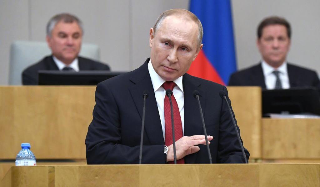 Putin promulga ley que lo mantendría en el poder hasta 2036
