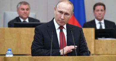 Putin promulga ley que lo mantendrá hasta 2036