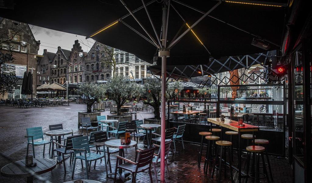 Por coronavirus, Países Bajos cierra colegios, restaurantes y centros de ocio