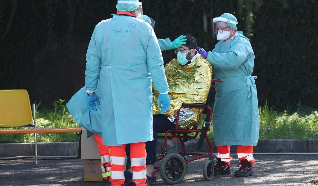 Supera Italia las 2 mil víctimas mortales por el coronavirus