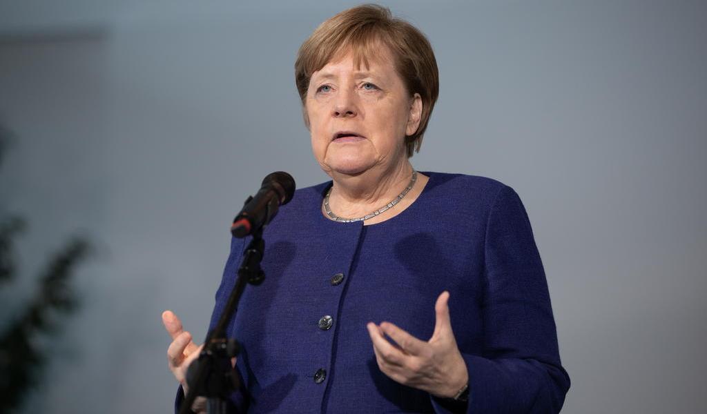 Confirma Merkel el cierre parcial de la vida pública en Alemania por el coronavirus