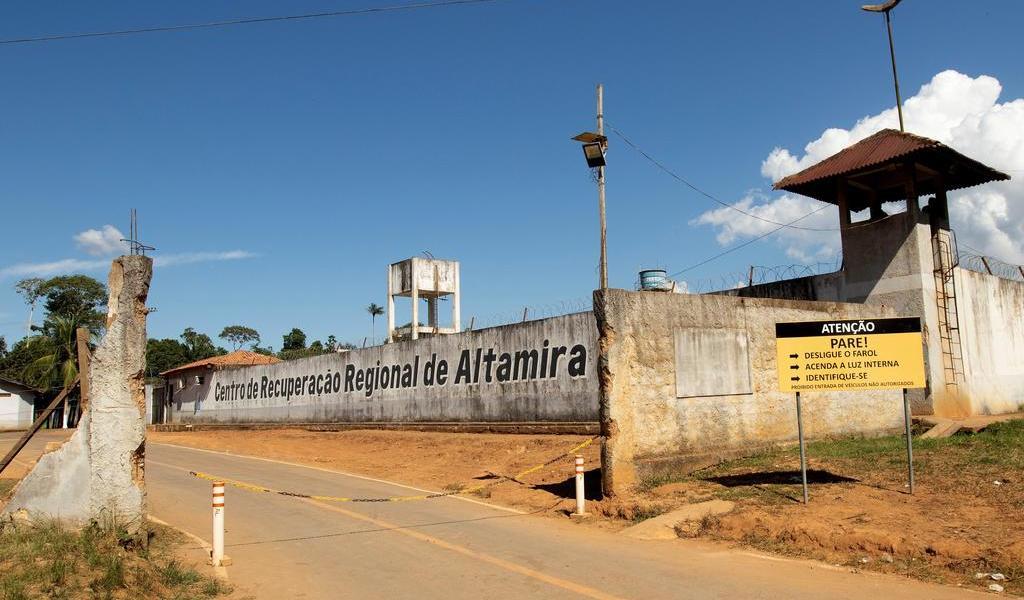 Escapan más de mil reos de prisión en Brasil