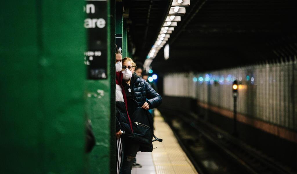 Ordena Nueva York que el 75 % de los trabajadores se quede en casa