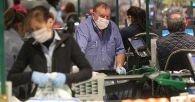 Gobierno español pide ampliar estado de alarma; suman 2,696 muertes por COVID-19