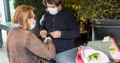 Francia extendería estado de emergencia por dos meses más