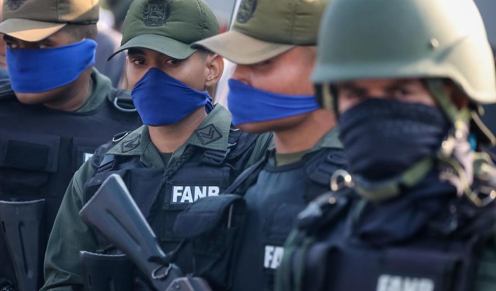 Militares se adjudican 'invasión frustrada' en Venezuela