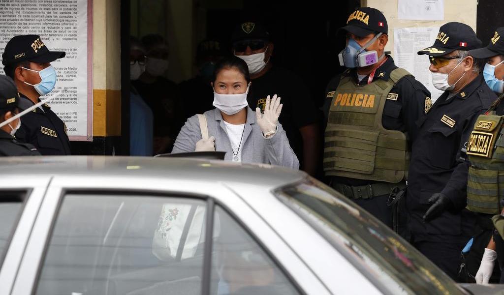 Keiko Fujimori sale de la cárcel en Perú