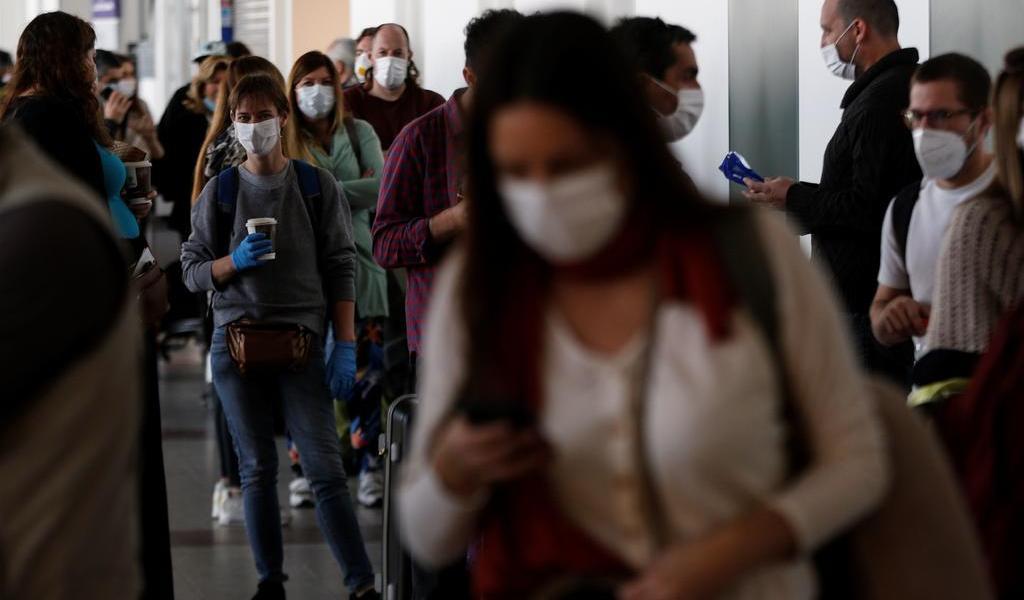 Casos por COVID-19 superan los 30 mil en Chile