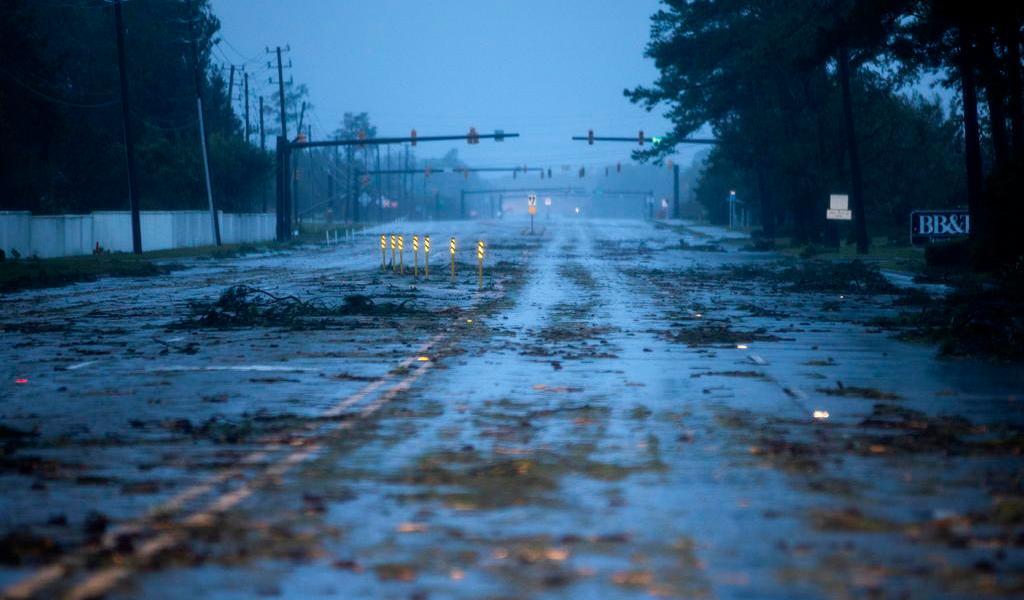 Tormenta tropical amenaza costa este de EUA