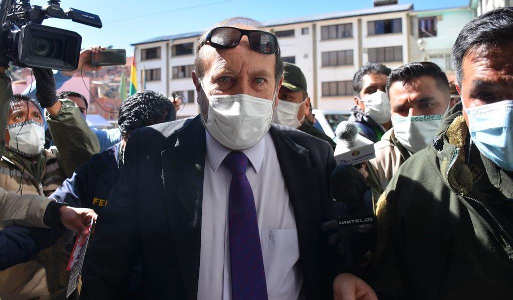 Detienen a ministro de Salud de Bolivia por escándalo de corrupción
