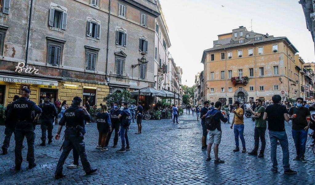 Italia suma 119 muertos pero bajan los enfermos
