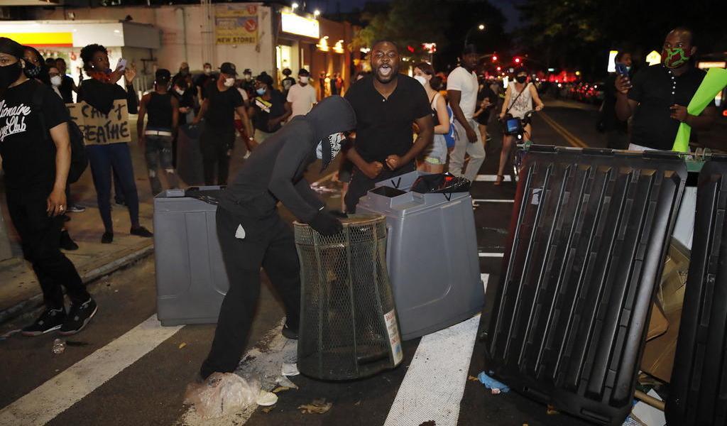 Protestas por muerte de George Floyd, provoca toque de queda en varias ciudades