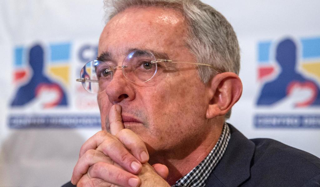 Indagan al expresidente Álvaro Uribe por espionaje en Colombia