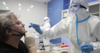 Rusia supera los 441,000 casos confirmados de COVID-19