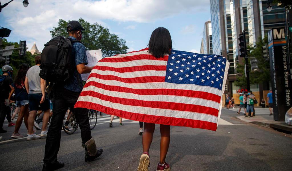 Washington retira toque de queda tras una noche de protestas pacíficas