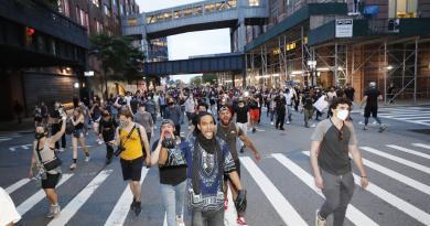 Propone Nueva York nuevas leyes contra los abusos policiales