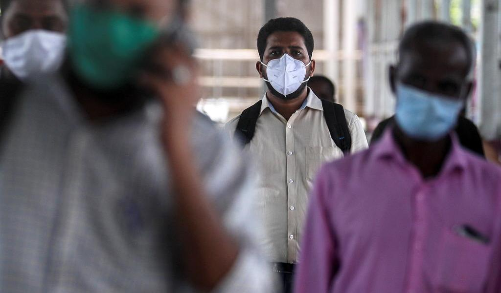 India suma casi 10,000 nuevos casos de COVID-19 en un día