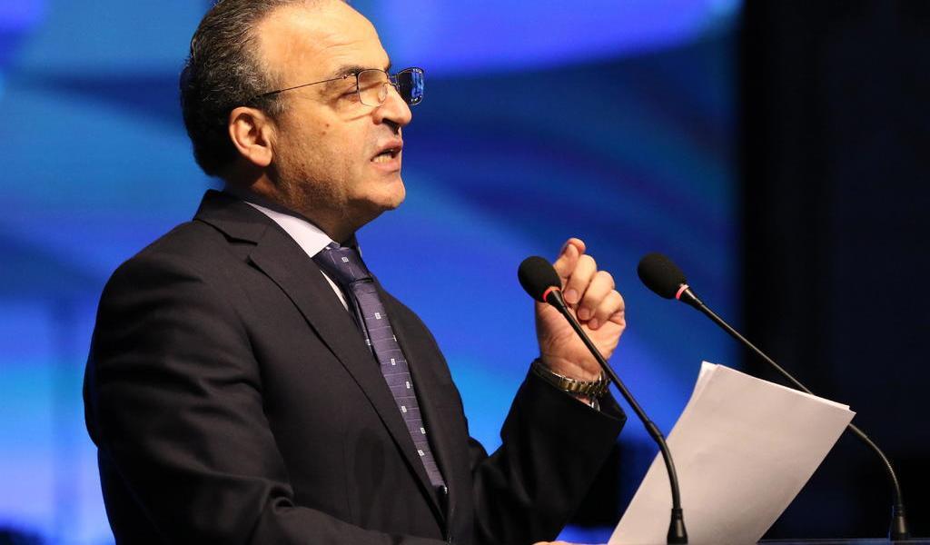 Al Asad destituye al primer ministro en medio de grave crisis económica en Siria