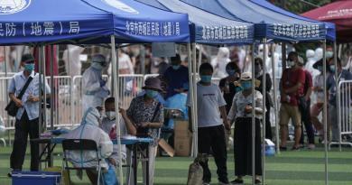 Afirma OMS que hay más de cien casos en rebrote de COVID-19 en Pekin