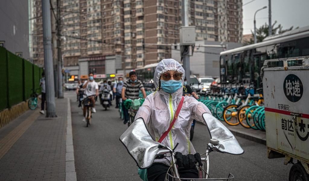 Advierte OMS que pandemia de COVID-19 está entrando en una fase 'nueva y peligrosa'