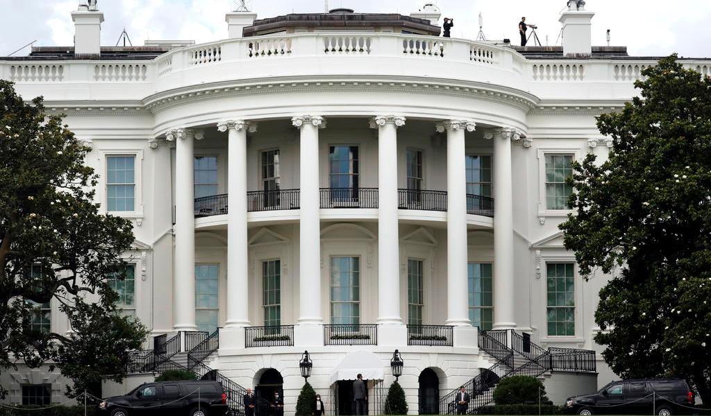 Suspende Casa Blanca revisión de temperatura a visitantes