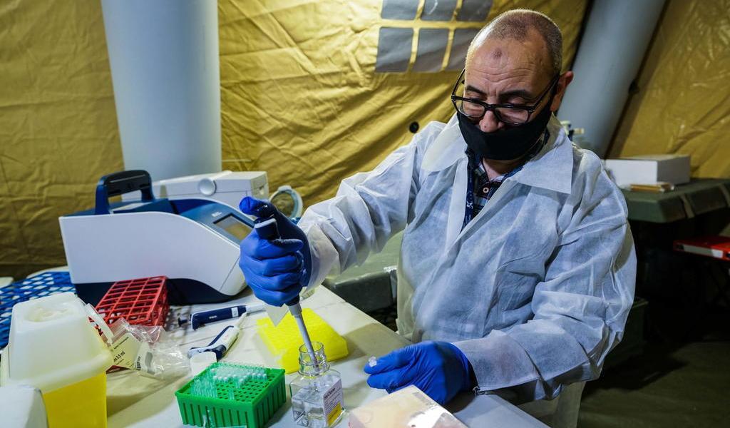 Europa registra 20,000 infectados y 700 muertes por COVID-19 cada día