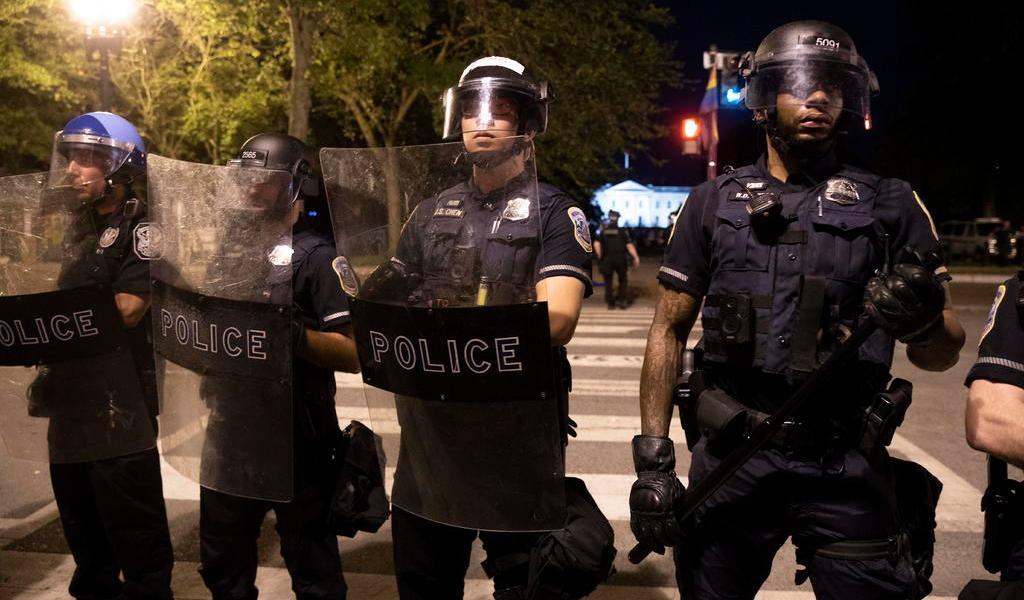 Concejo municipal de Minneapolis propone desmantelar la policía