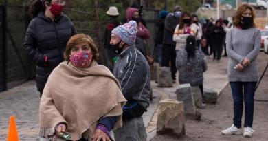 Registra Chile baja en casos diarios de COVID-19