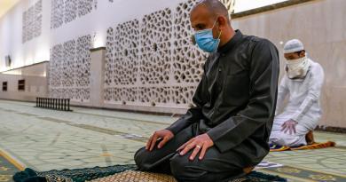 Alcanza Arabia Saudí los 200 mil casos de COVID-19
