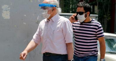 Implementa Irán uso obligado de tapabocas por COVID-19