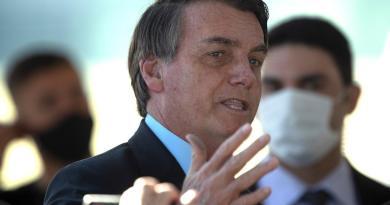 Bolsonaro da positivo a COVID-19; se trata con cloroquina