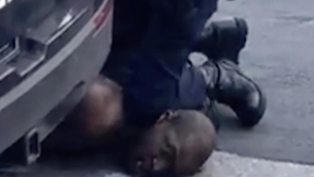 George Floyd alertó 20 veces a policías que no podía respirar